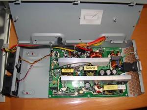 電源ユニットのオープン(2)