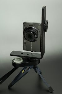 DSC-W300 + L型ブラケット + PMTC-1 + ミニ三脚